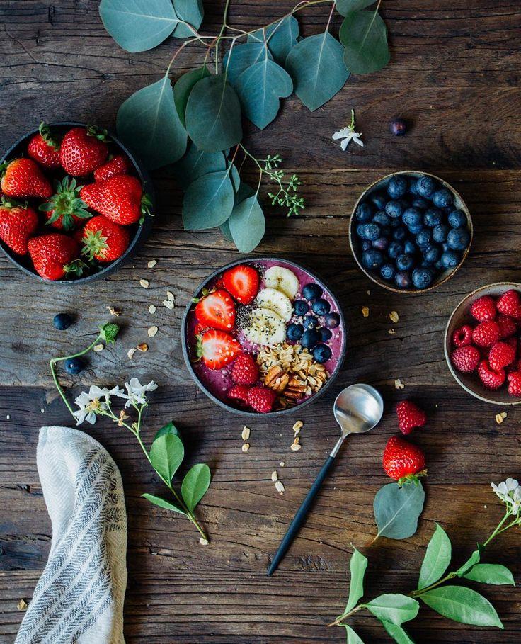 Antioxidant berry smoothie.Happy blending! 😋