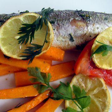 Pečený okáč s dýňovými hranolky - Okáč obecný - mořská ryba, upečeme si ho s dýňovými hranolky