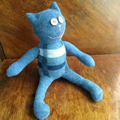 Игрушки животные, ручной работы. Кот с лапами на кнопках Носуня теплый синий. Носуни - игрушки из носков. Ярмарка Мастеров. Носуня