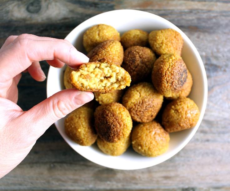 Hirsafler (kokt hirse + krydder + kikertmjøl) #vegan #hirse #falafel #vegetarian