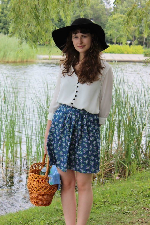 New on the blog: Summer picnic outfits! Find it at http://onzeblog.com/fashion/summer-picnic-outfits/