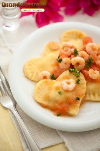 These ravioli are perfect for St Valentine day, but also for every romantic dinner! (in Italian)