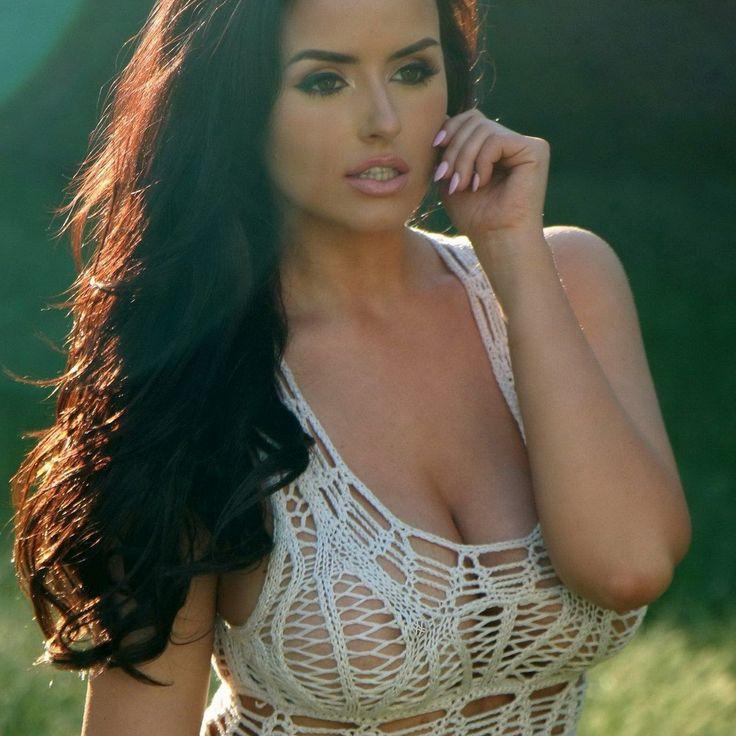 IMGBOC.COM - Abigail Ratchford show big boobs in c-thru crochet dress 10x UHQ 3.jpg -