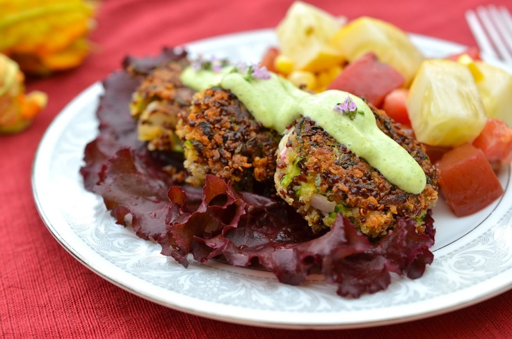 Zucchini Cakes with Quinoa and Herbed Aioli by veggiewithacause