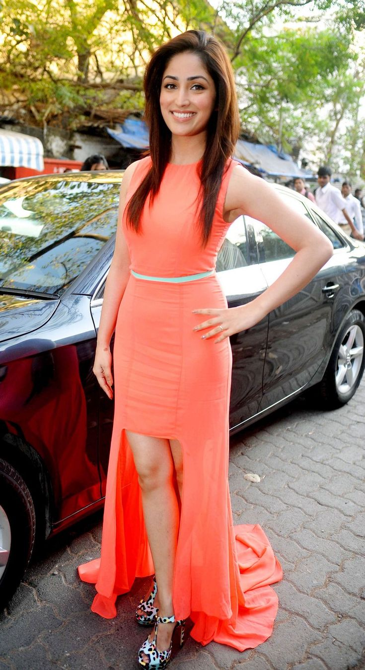 Yami (Yaami) Gautam stepped out in a gorgeous orange gown. #Fashion #Style #Bollywood #Beauty