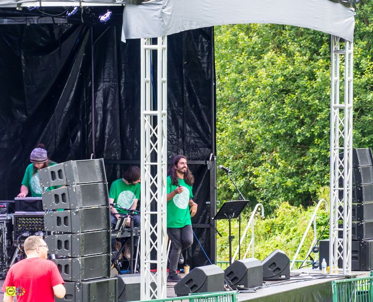 https://flic.kr/s/aHskCGE4FF | Bankswood 2016 Day 2 | Photos from day 2 of the Bankswood Festival which featured performances from The New Seegers, Tara Pendergast, Glass Cabins, Ólta (Paul Higham / India Shan Merrett) , Rime Suspex, Claire Northey Music, Kevin Critchley and Apollo Dawn