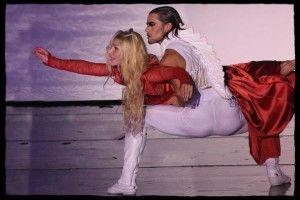 """""""Dracula L'amour Plus Fort Que La Mort"""" Mina (Nathalie Fauquette) et Dracula (Golan Youssef)"""