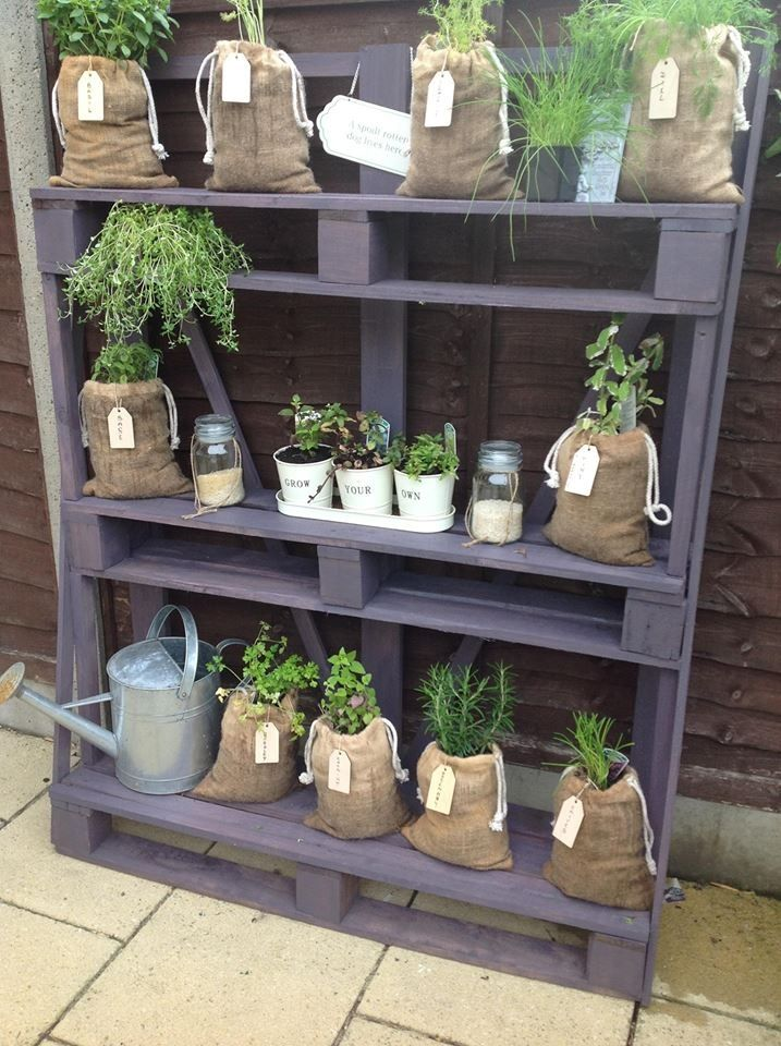 Garden shelves from pallets