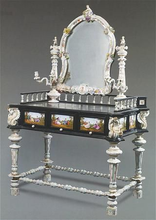 Porcelain Mounted Dressing Table Period of creation : 1870 Country of creation : Germany