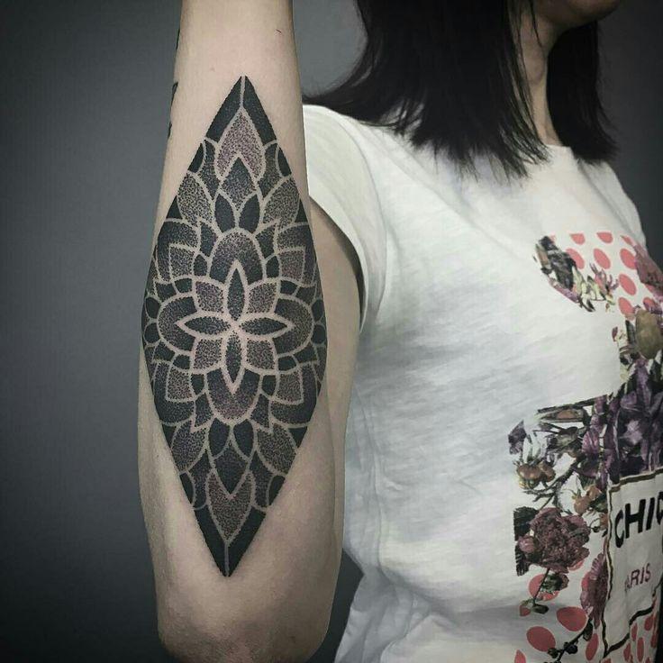 Tattoo done by: @effedots #mandala #mandalatattoo