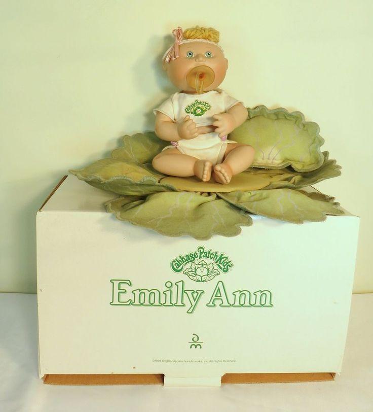 Muñecas Cabbage Patch porcelana Kids 1998 Emily Ann Danbury Mint Con Caja | Muñecas y osos, Muñecas, Por marcas, empresa, personaje | eBay!