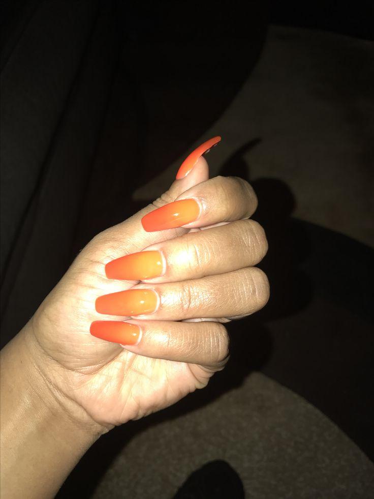 Loving this mood change nail polish