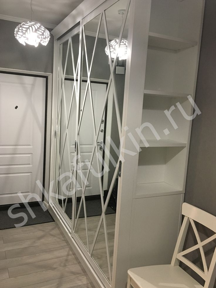 """Шкаф-купе """"Римини"""".  Двери: Зеркало с делителями.  Профиль: HOLZ с врезными ручками.  Срок изготовления: 19 дней.  #мебель #стильныйдизайн #гардеробнаямосква #bedroom #мебельназаказ #дизайнинтерьера #интерьергостиной #Шкафулькин #SHKAFULKIN #designinterior #interior #moderndesign #designmodern #красиваямебель #шкафазия #наполнениеназаказ #купитьшкафназаказ #гардеробнаяпенелопа #lux #style #интерьер #светлый #гардеробнаяназаказ #мебельмосква"""