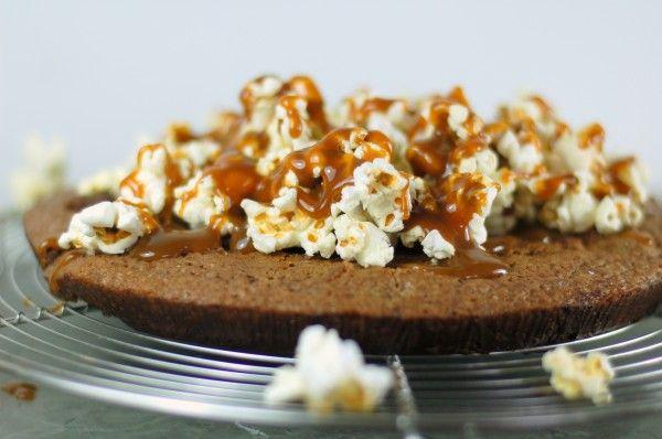 Kladdkaka med karamellpopcorn | Söta saker