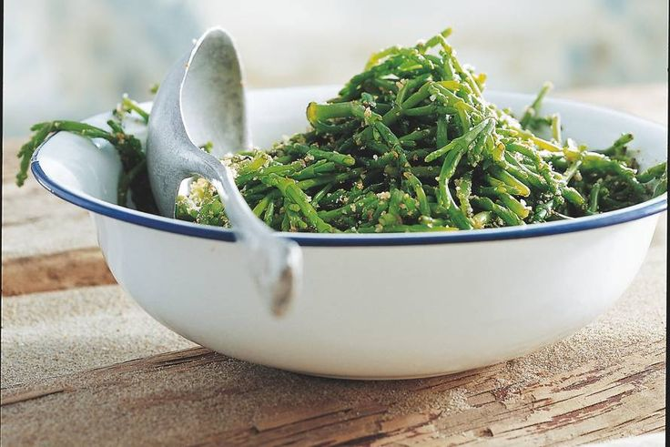Gestoofde zeekraal , samphire. Excellent eaten steamed , mixed  with green asparagus , as a side (P, Allerhande)