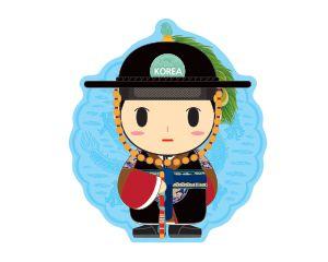 구군복|Gugunbok 왕이 행차나 특별한 의식 때 입던 구군복 Military Uniform robes worn by king  구군복은 조선시대의 군복의 하나로 왕과 무관이 입었습니다 왕이 입은 구군복은 머리에는 공작깃과 옥판, 패영으로 장식한 전립을 쓰고  동다리와 전복을 입고 목화를 신었습니다