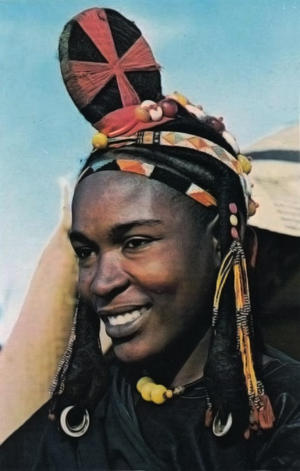 Africa | A Songhai (aka. Songhay, or Sonrai) woman.  Timbuktu, Mali | Scanned postcard image.
