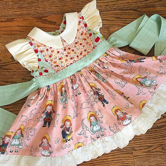The Georgia Vintage Dress Pattern from The Cottage Mama. This is the cutest…
