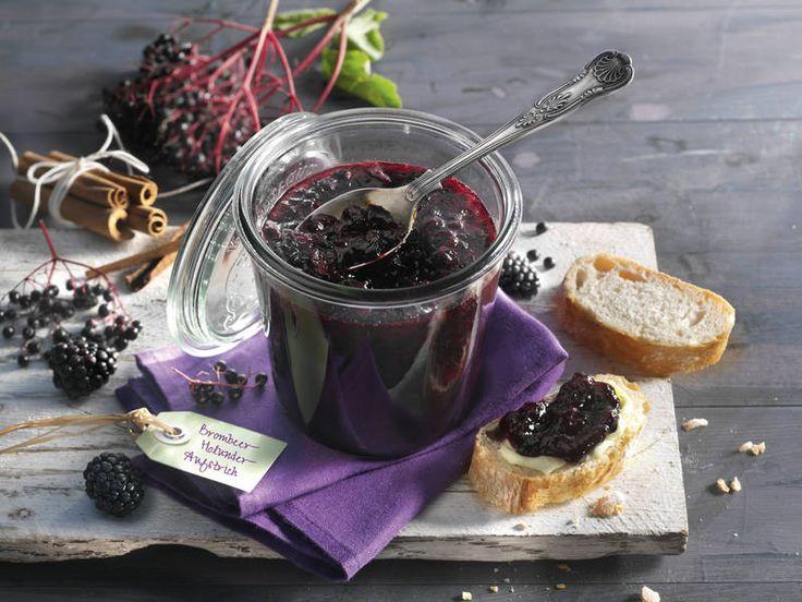 Spätsommerliche Beeren werden mit einem Hauch Zimt zu einem köstlichen Fruchtaufstrich!