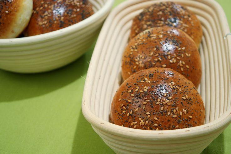 En lo que se refiere a pan, los franceses saben de lo que hablan. Esto lo aprendí durante el año y medio que viví en Lyon, allí fue donde empecé a saber lo que era un buen pan, y, sobre todo, lo qu…