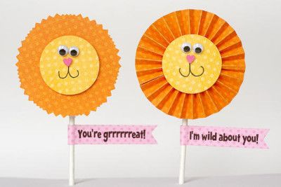 "Tell a friend ""You're grrrrrreat!"" or ""I'm wild about you!"" with these fun lion Valentines. These lion faces really give personality to an ordinary lollipop."
