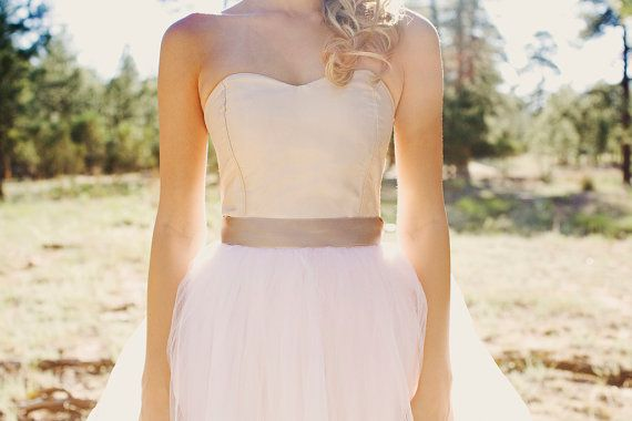 The flattering neckline: sweetheart wedding dress: Wedding Dressses, Blushes Pink, Bridesmaid Dresses, Wedding Dresses, Bridal Gowns, Blush Pink, Sweetheart Dresses, Sweetheart Neckline, Sweetheart Wedding Dress