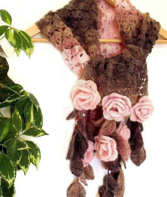 Ganchillo bufanda freeform 3D con hojas y por allmadewithlove