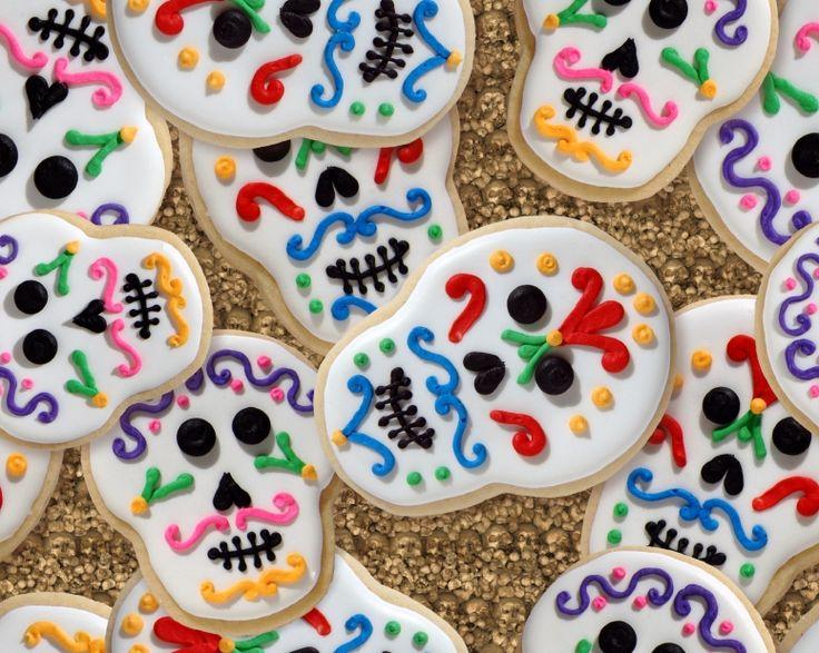 Prepara con tus niños estas galletas de mantequilla con betún de colores para el Día de Muertos ¡Sera fácil y divertido!