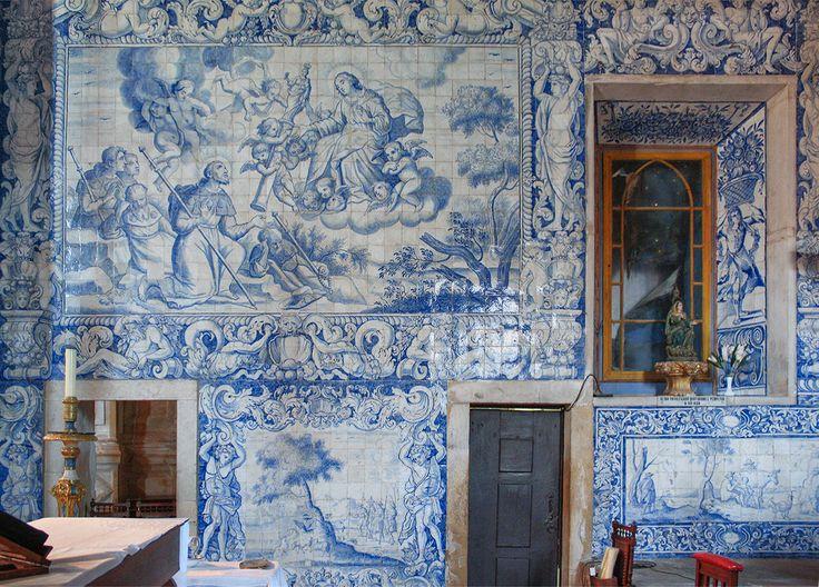 Sardoal | Igreja de / Church of São Tiago e São Mateus | Séc. XVIII / 18th century #Azulejo #AzulejoDoMês #AzulejoOfTheMonth #Flores #Flowers #Sardoal