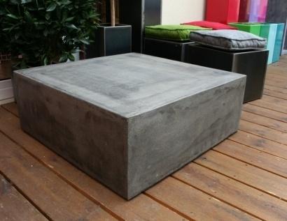 Table béton cube sur roulettes invisibles