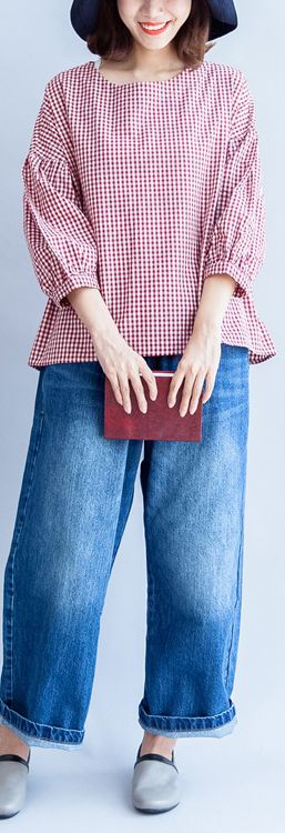 back-button-cotton-t-shirt-oversize-red-white-grid-long-sleeve-tops