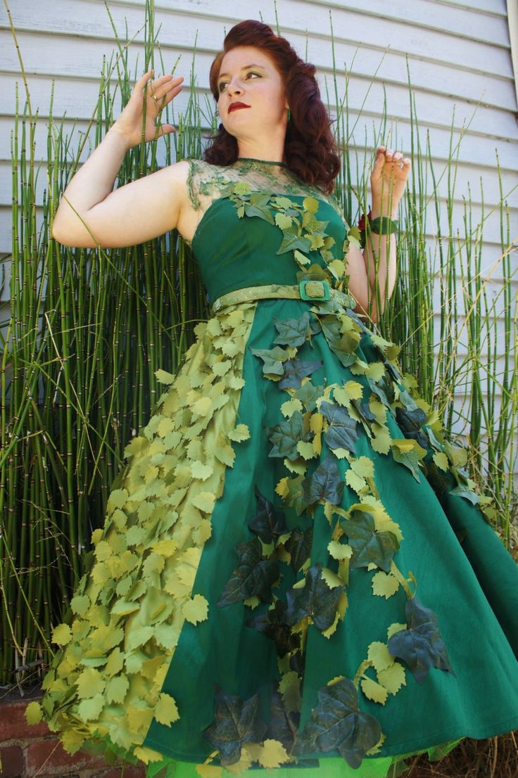 50's themed Poison ivy cosplay