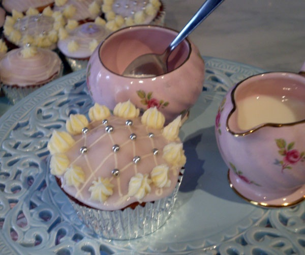 The ULTIMATE vanilla cupcakes | Cupcakes | Pinterest