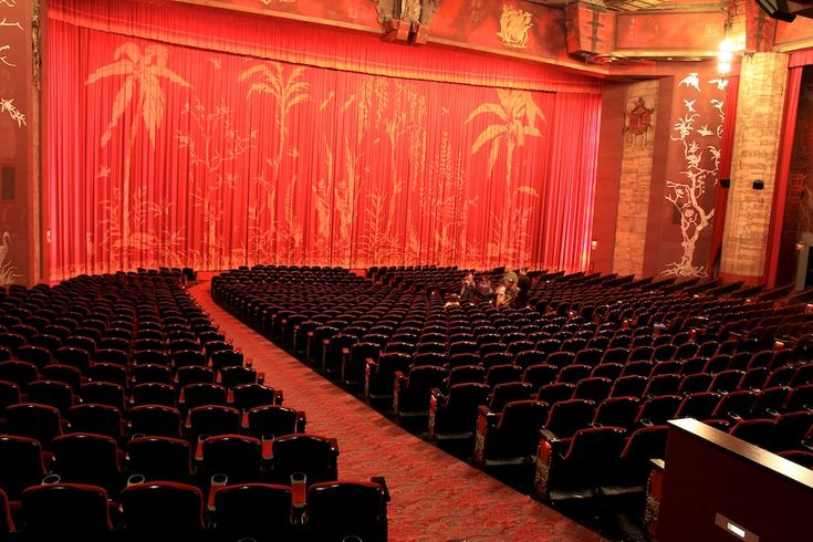 "Inside Graumans Chinese Theatre. All I can think of when I see this is the Leonardo DiCaprio movie ""The Beach"" premiere. What a terrible movie. Didn't matter. My agenda to run into my ex with a new boyfriend worked.: Chinese Theater, Movie, Vintage Theatres, Inside Graumans, Theatre Inside, Trailer Park, Graumans Chinese"