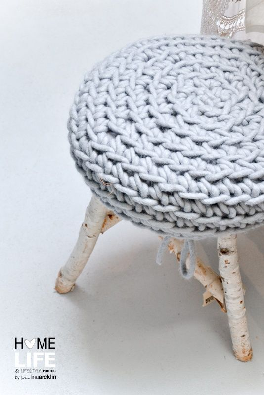 I love this stool made with natural tree branches finished with a lovely knitted cover. Created by Grijze kruk