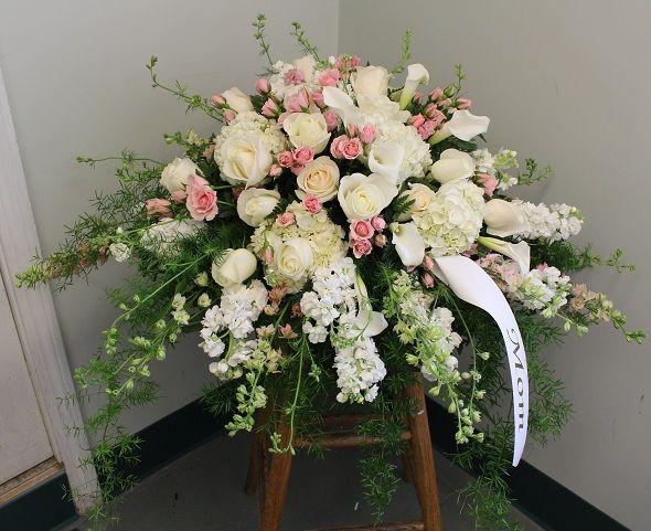 http://profiles.delphiforums.com/casketfloral  Explore This Site White Casket Spray  Casket Sprays,Casket Flowers,Casket Spray,Flowers For Casket,Funeral Casket Sprays