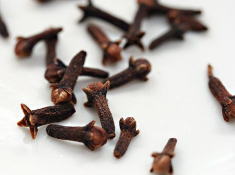 Cloves are the unopened pink flower buds of the evergreen clove tree.  Cloves are an extremely powerful super-food and have some of the richest anti-oxidants of all spices.   (Link with info on gotu kola, fennel, lemongrass, too)