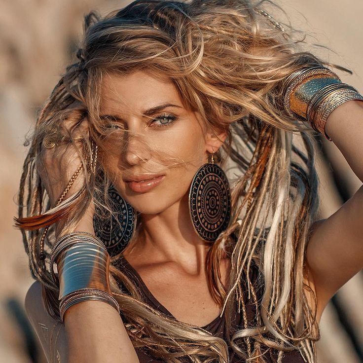 Сущая львица Ксюша#portrait#beautiful#model#photoshoot#photographer#photo#thailandphotographer#boho#hippie#jewelry#blonde#hair#dreads#gold#thailand#kohphangan#style#fashion#копанган#таиланд#модель#хиппи#бохо#фотосессия#фотограф#стиль#украшения#фотографпанган#таиландфотограф#лето