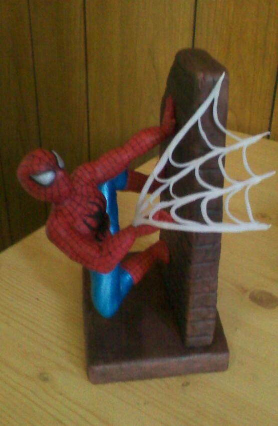 hombre araña rojo