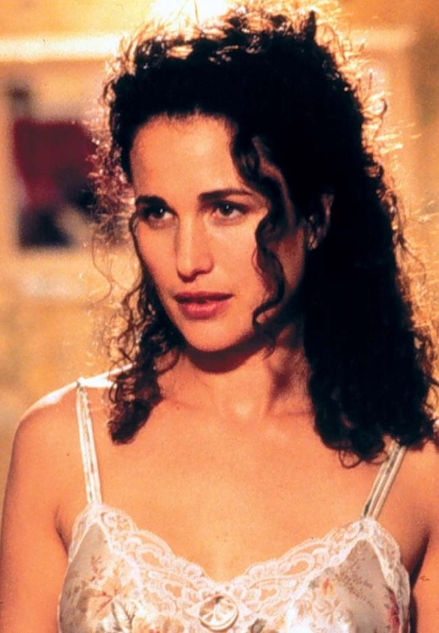 Still of Andie MacDowell in Multiplicity