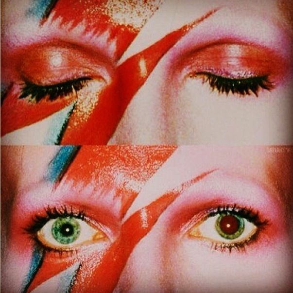David Bowies eyes - Ziggy Stardust. Absolutely obsessed with his eyes