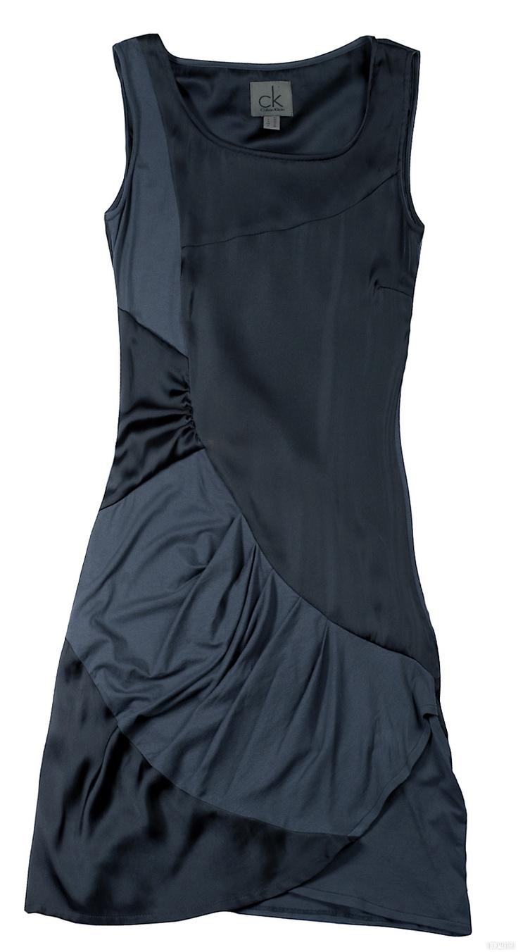 Черное платье Calvin Klein http://nsk.lookmart.ru/products/chernoye_plate_calvin_klein_165350