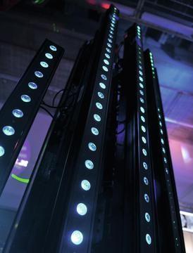 Eurolite LED PIX-16 QCL Bar - Compact LED color changing bar with 16 x 8 W quadcolor LEDs #eurolite #mobilelighting #entertainmentlighting #eventlighting #lighting #clublighting #led #halloweenlighting #weddinglighting #quadcolor #dmx #strobe #rgb #stagelighting #loungelighting