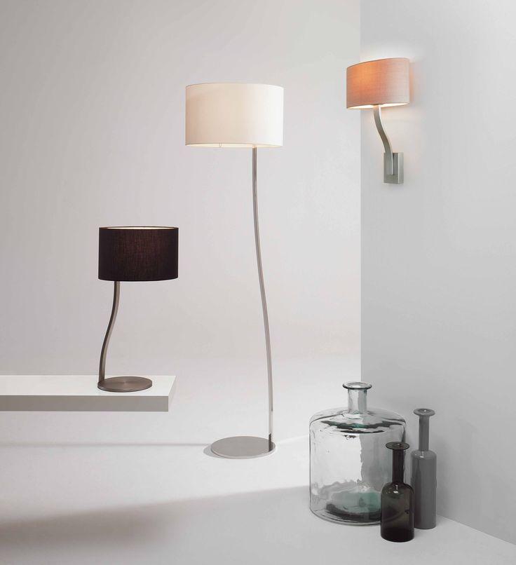 Rodzina opraw Sofia daje możliwość zaaranżowania spójnego stylistycznie wnętrza. Lampy podłogowe, biurkowe oraz kinkiety firmy Astro Lighting.
