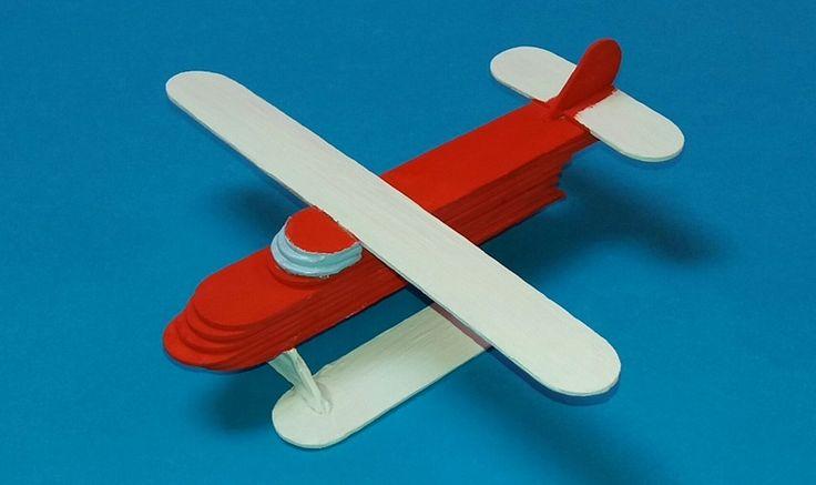 Avión con palitos de helado