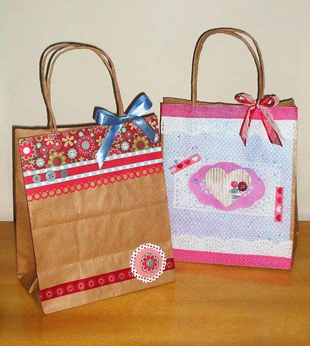 Como decorar sacolinhas de papel com a técnica do scrapbooking | Vila do Artesão