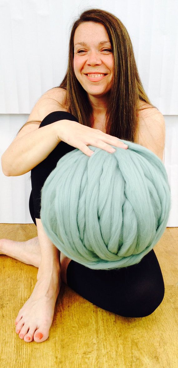 SALE Big Yarn. Super Chunky giant. Extreme arm knitting kit. Bulky yarn wool knit blanket throw. Thick gigantic yarn. Massive knitted loop.