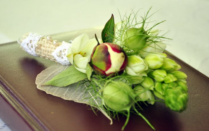 Fresh flowers boutonniere