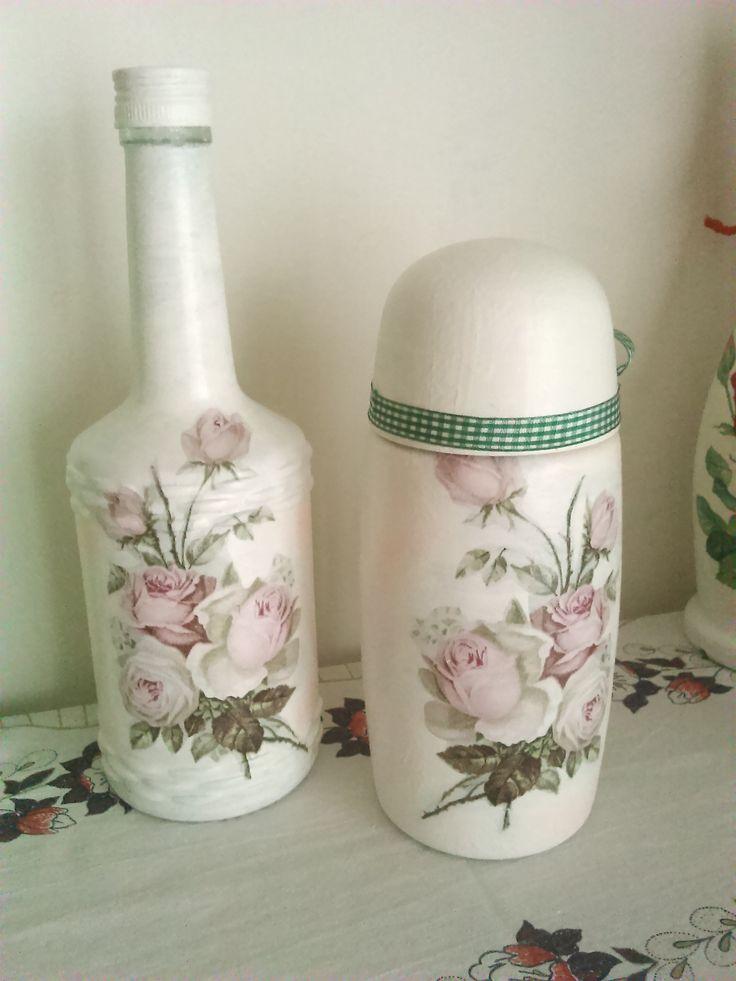 Ruže musia byť aj na doze a flaši :-)