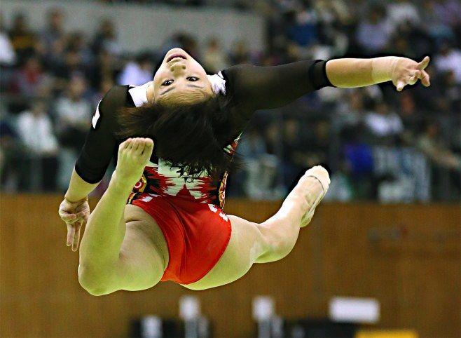 女子ゆかで優勝した村上茉愛の演技=11日、愛知・スカイホール豊田 #村上茉愛 #体操